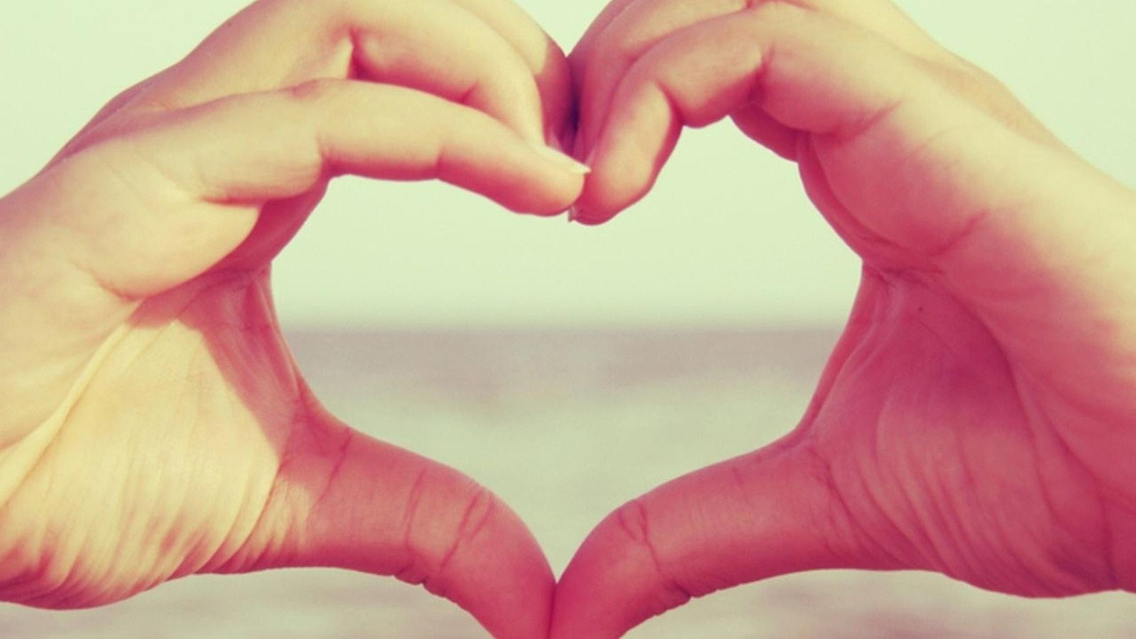 Simone Davis Naturopath Sydney | Women's Wellbeing | Heart Love